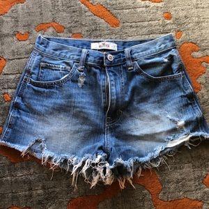 Hollister cutoff shorts size 25 or 1